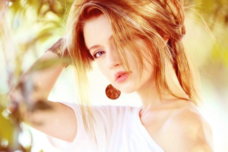 Nadmierne wypadanie włosów – jak radzić sobie z problemem?