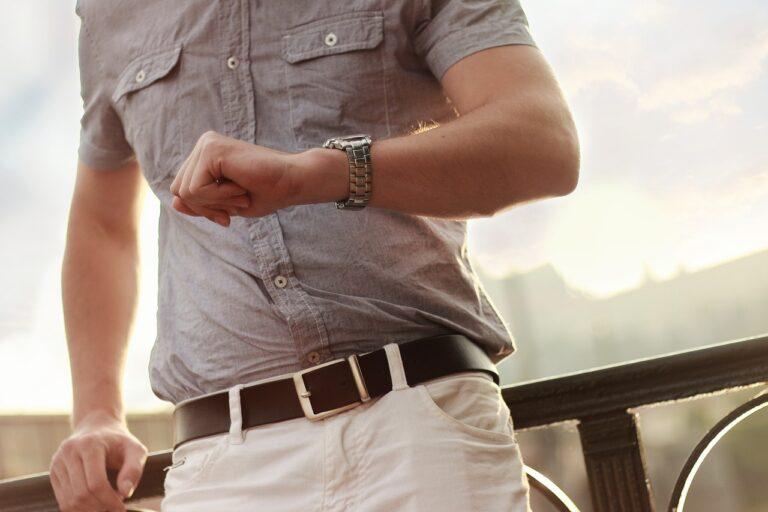 Jak założyć zegarek Daniel Wellington?
